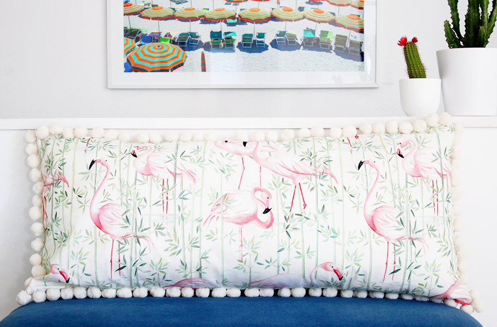 diy maxi coussin flamants roses. Black Bedroom Furniture Sets. Home Design Ideas